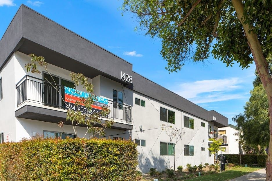 image 1 unfurnished 2 bedroom Apartment for rent in Santa Monica, West Los Angeles