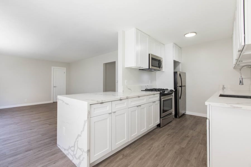 image 10 unfurnished 2 bedroom Apartment for rent in Santa Monica, West Los Angeles
